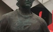 雕像遭到破坏后,足球迷在莫斯科被拘留。世界杯门票官网