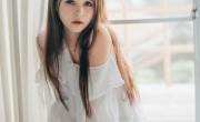 今天我们和大家分享一些华丽的中国女孩夏梅江的新照片